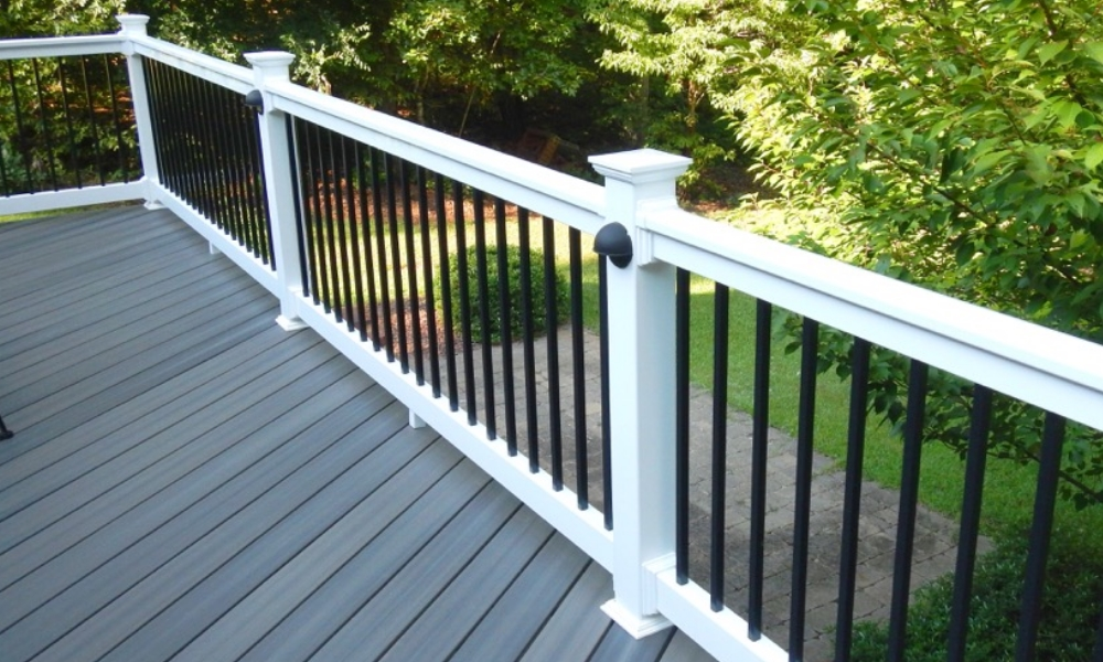 Quality vinyl railing from Country Estate Fence.
